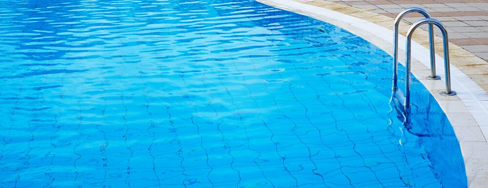 How to Keep a Pool Clean Without a Pump